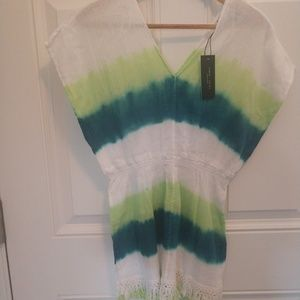 NWT Romeo and Juliet island top
